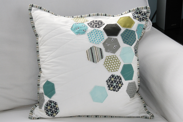 hexagon-pillow2