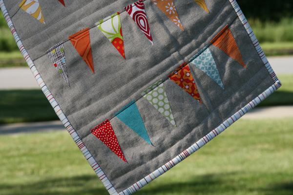 bunting-mini-quilt