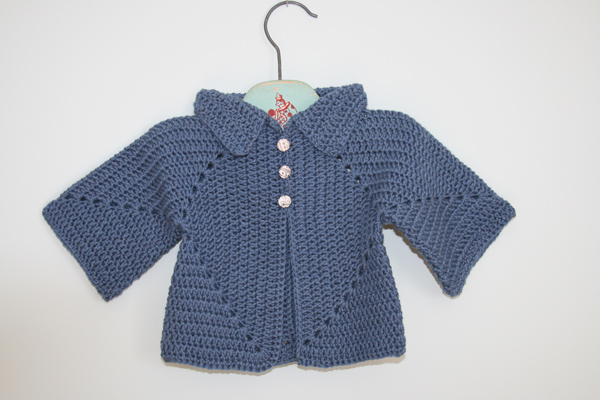 http   needleworkersroom.blogspot.com 2008 07 01 archive.html sito di Cozy  Suehttp   www.ravelry.com patterns libr...n-baby-sweater qui potete  scaricare ... ee7f8cf2e3ba