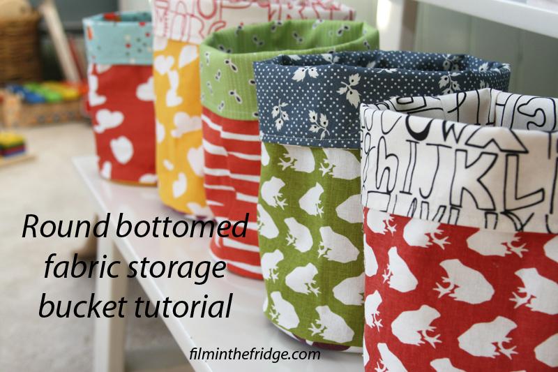 12 Creative DIY Fabric Storage Bins featured by top US craft blog, Flamingo Toes: round bottom fabric bucket